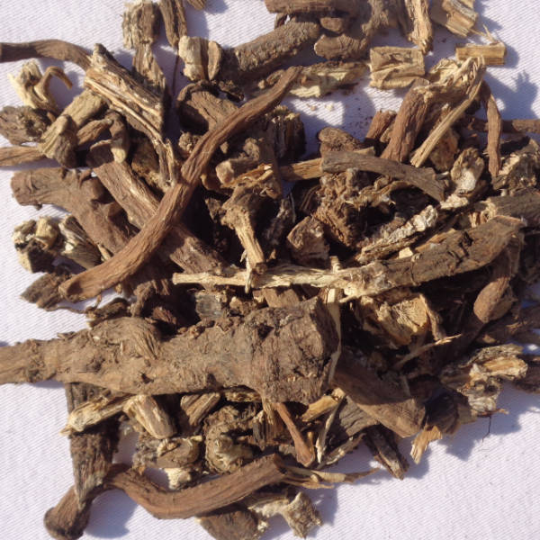Dried dandelion and burdock root
